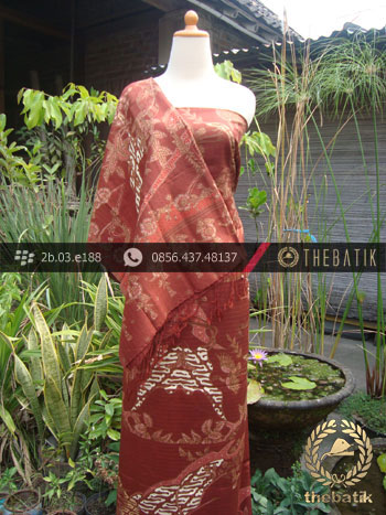 Sarung Selendang Batik Sutera Kontemporer Latar Merah