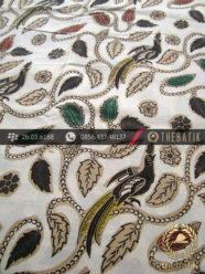 Kain Batik Coletan Solo Motif Buketan Daun Latar Putih