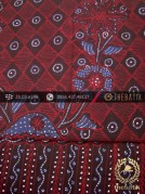 Kain Batik Tulis Jogja Motif Kotak Buketan Latar Hitam