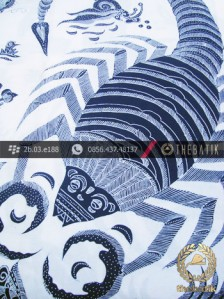 Batik Tulis Cirebon Kalajengking Biru Dongker Latar Putih