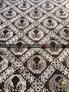 Kain Batik Klasik Jogja Motif Gurdo Sisik Putih