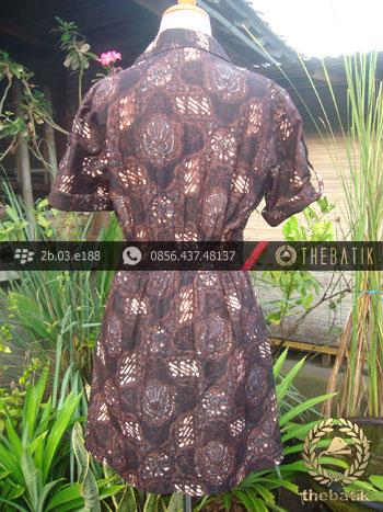 Model Baju Batik Wanita – Dress Klasik Gurdo