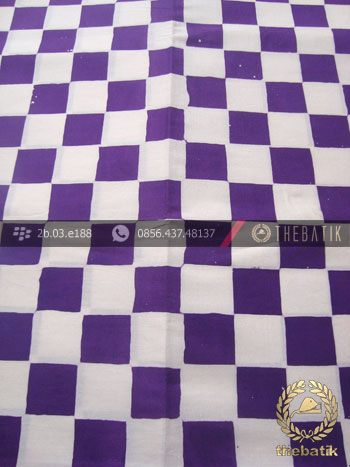 Kain Batik Bali Motif Poleng Kotak Ungu  THEBATIKcoid