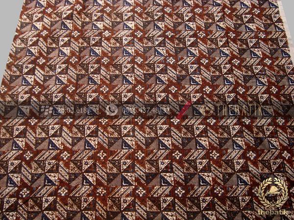 Kain Batik Motif Klasik Tambal Kecil