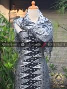 Sarung Selendang Batik Sutera Motif Tumpal Putih
