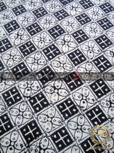 Kain Batik Bahan Baju Motif Kawung Kotak Hitam