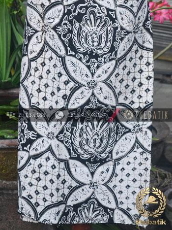 Kain Batik Tulis Jogja Ceplok Gurdo Klasik Hitam Putih  THEBATIK