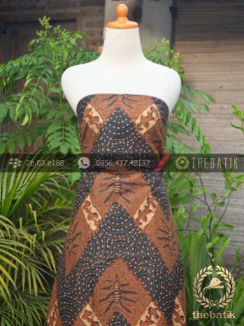Kain Batik Solo Klasik Gunungan Soga Genes