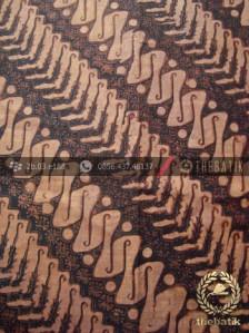 Kain Batik Lawasan Klasik Motif Parang Rusak Tuding