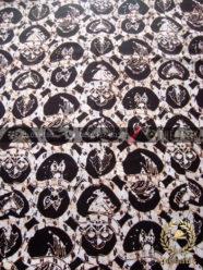 Batik Klasik Jogja Motif Ceplokan Sayap Latar Hitam