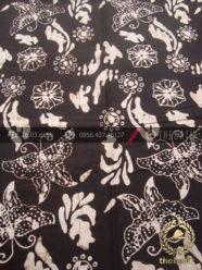 Batik Klasik Jogja Motif Kupu-Kupu Latar Hitam