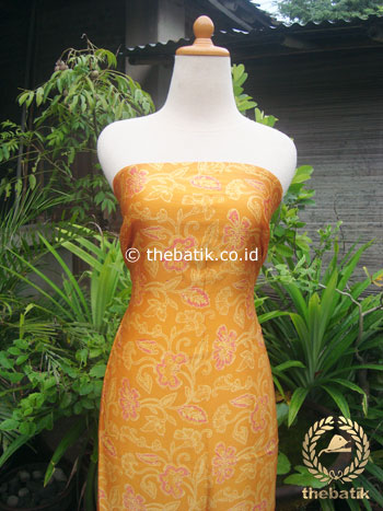 Bahan Baju Batik Sutera Motif Floral Kuning Cerah