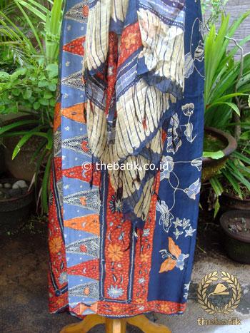 Sarung Selendang Batik Tulis Sutera Tumpal Merah Biru