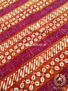 Kain Batik Jogja Klasik Kemerahan Motif Parang Seling Kawung