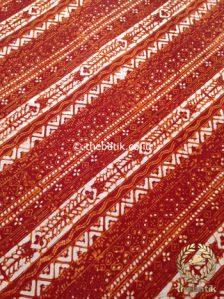Kain Batik Jogja Klasik Kemerahan Motif Udan Liris