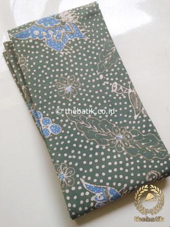 Kain Batik Tulis Warna Alam Kehijauan Motif Anggur Titik