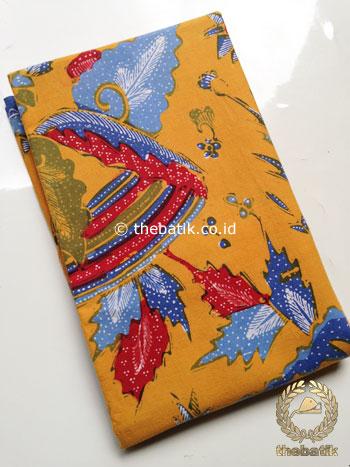 Kain Batik Tulis Motif Boketan Merah Biru Latar Kuning