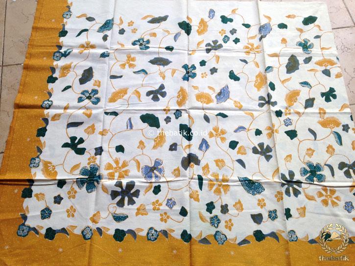 Bahan Kain Batik Tulis Floral Kembang Kipas Latar Putih