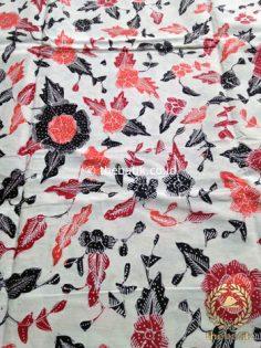 Bahan Kain Batik Tulis Floral Jambon Hitam Latar Putih