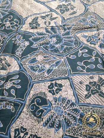 Kain Batik Tulis Warna Alam Motif Sekarjagad Indigo
