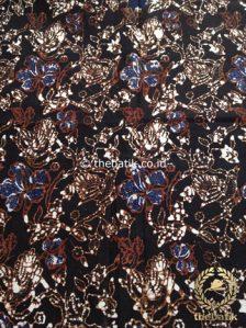 Batik Klasik Jogja Motif Kembang Latar Hitam