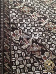 Kain Batik Warna Alam Motif Kawung Seling Kembang