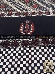 Kain Batik Jawa Klasik Motif Gurdo Kombinasi Poleng Parang