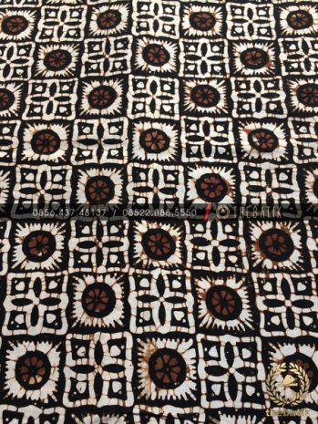Kain Batik Jawa Klasik Motif Ceplok Matahari Sogan