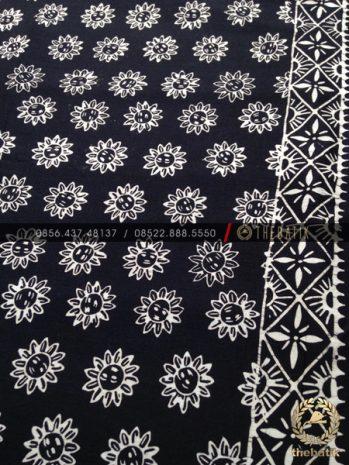 Jual Batik Monokrom Motif Bunga Matahari Hitam Putih Thebatik Co Id