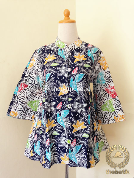 Jual Model Baju Batik Kerja Wanita Blus Modern Biru Dongker Putih Thebatik Co Id