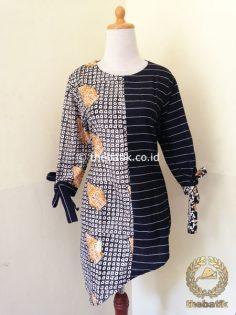Model Baju Batik Modern Wanita – Blus Lurik Batik Hitam