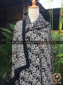 Kain Batik Paris – Bahan Outer Motif Limaran Hitam Putih