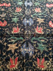 Bahan Baju Batik – Kain Batik Tulis Motif Wahyu Tumurun Latar Hitam 7173ff791f