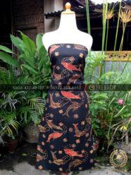 Bahan Baju Batik – Kain Batik Tulis Motif Ikan Mas Latar Hitam
